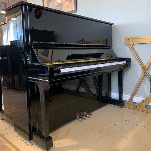 Occasion Piano Yamaha Modèle U3 Finition Noir Brillant vue de face