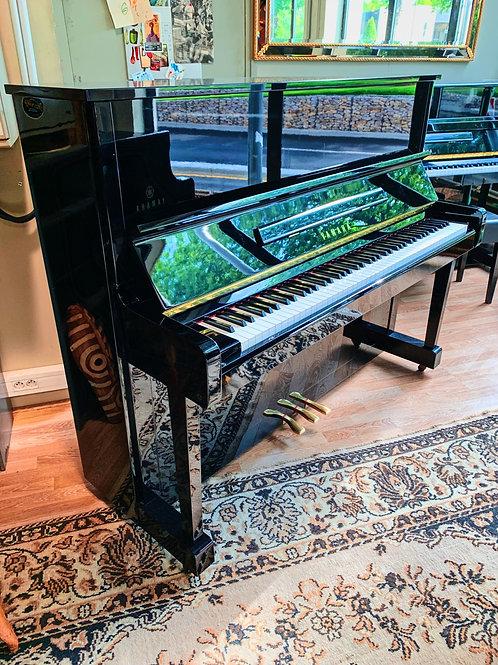 Occasion piano Droit Yamaha Modele MC10A Finition Noir Brillant Bonnaventure Caen