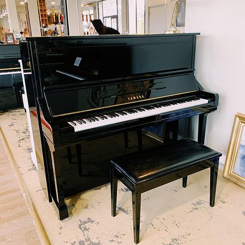 Piano Yamaha YU3 Noir vue de face