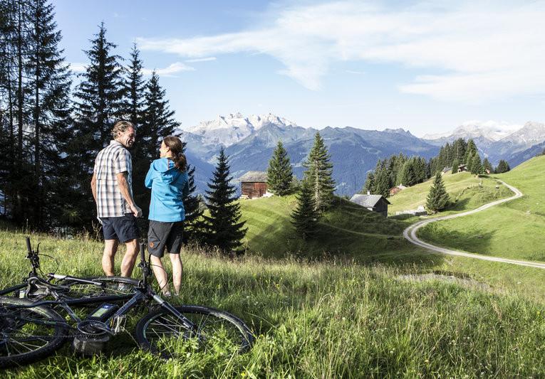 E-Biken im Montafon (c) Daniel Zangerl - Montafon Tourismus GmbH, Schruns (3).jpg