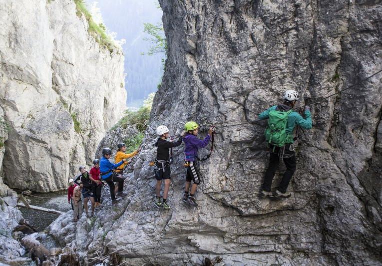Klettern Rongg Wasserfall (c) Daniel Zangerl - Montafon Tourismus GmbH, Schruns (1).jpg