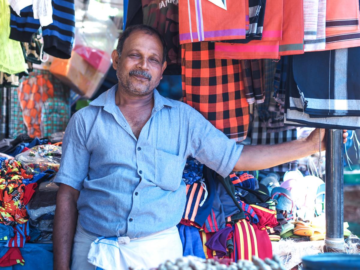 - Le marché de Paravoor -