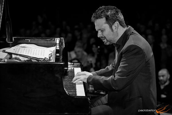 Davide Calvi pianista e compositore