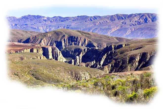 Baviaans-Kouga4x4trail, Kouga Mountains, rugged landscape, a major part of the Baviaanskloof Wilderness Area !