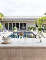 BBQ/Outdoor dining overlooking the pool