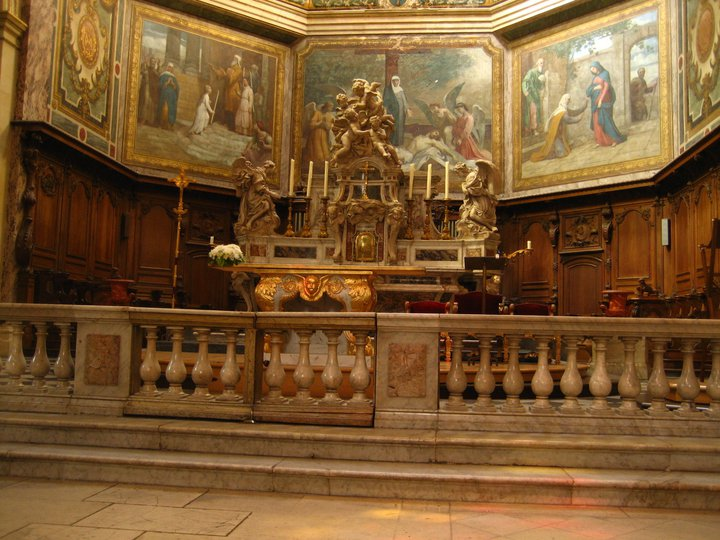 the alter of Notre Dame de Bordeaux