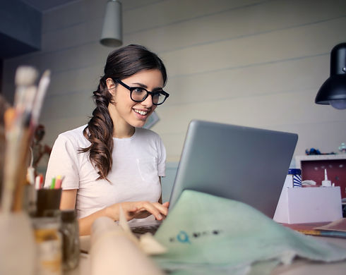 photo-of-woman-using-her-laptop-935756_edited_edited.jpg