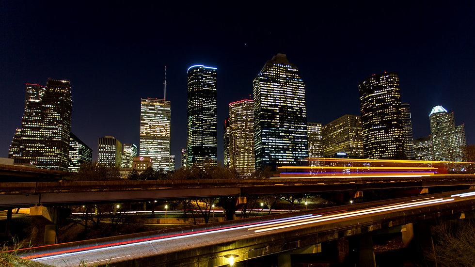 Downtown_Skyline_Night_2_SSULE3Q9wmaEIKh