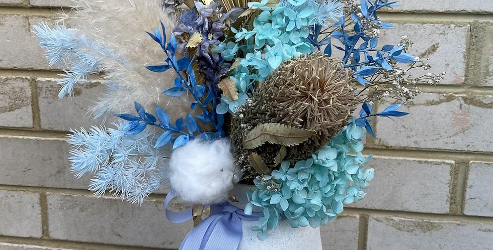 Bleu    Dried Arrangement