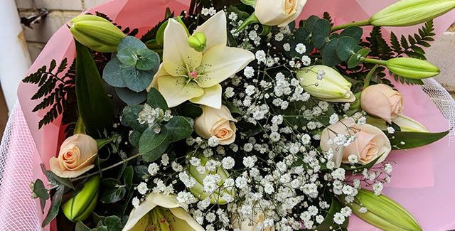 Asiatic Lilies & Roses