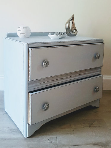 Vintage 1950s Chest of Drawers