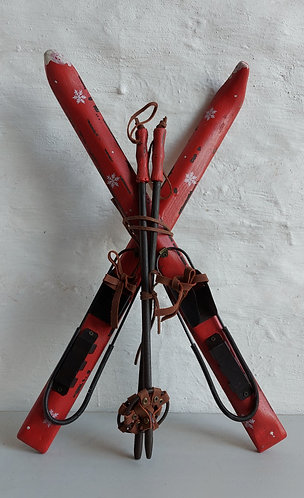 Red Skiis
