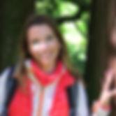 menší u stromu.jpg