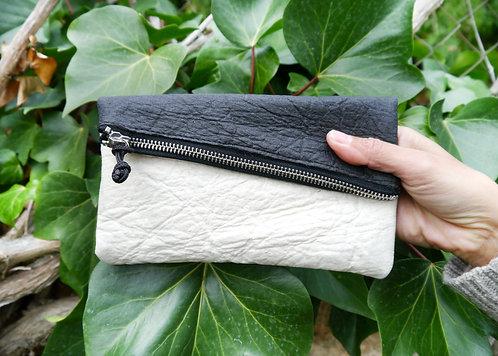 Maravillas Bags, Pinatex, vegan fold over clut, Sara, natural, black, vegan purse, handcrafted in Spain, handmade in Mallorca