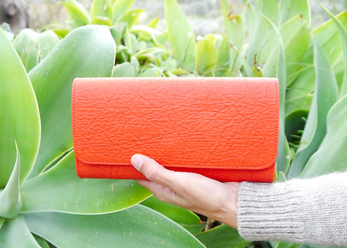 Maravillas Bags, Pinatex, vegan wallet, Lloseta, red, wallet, handcrafted in Spain, handmade in Mallorca