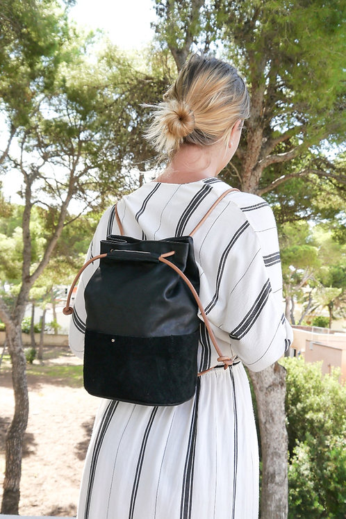 Maravillas Bags, Son Serra, backpack, bucket bag, black, natural strap, eco leather, vegetable tanned, handcrafted in Spain