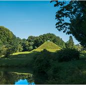 Park-Branitz-LandPyramide-9584 Kopie.png