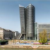 Wien-UNIQA-Tower-7840.png
