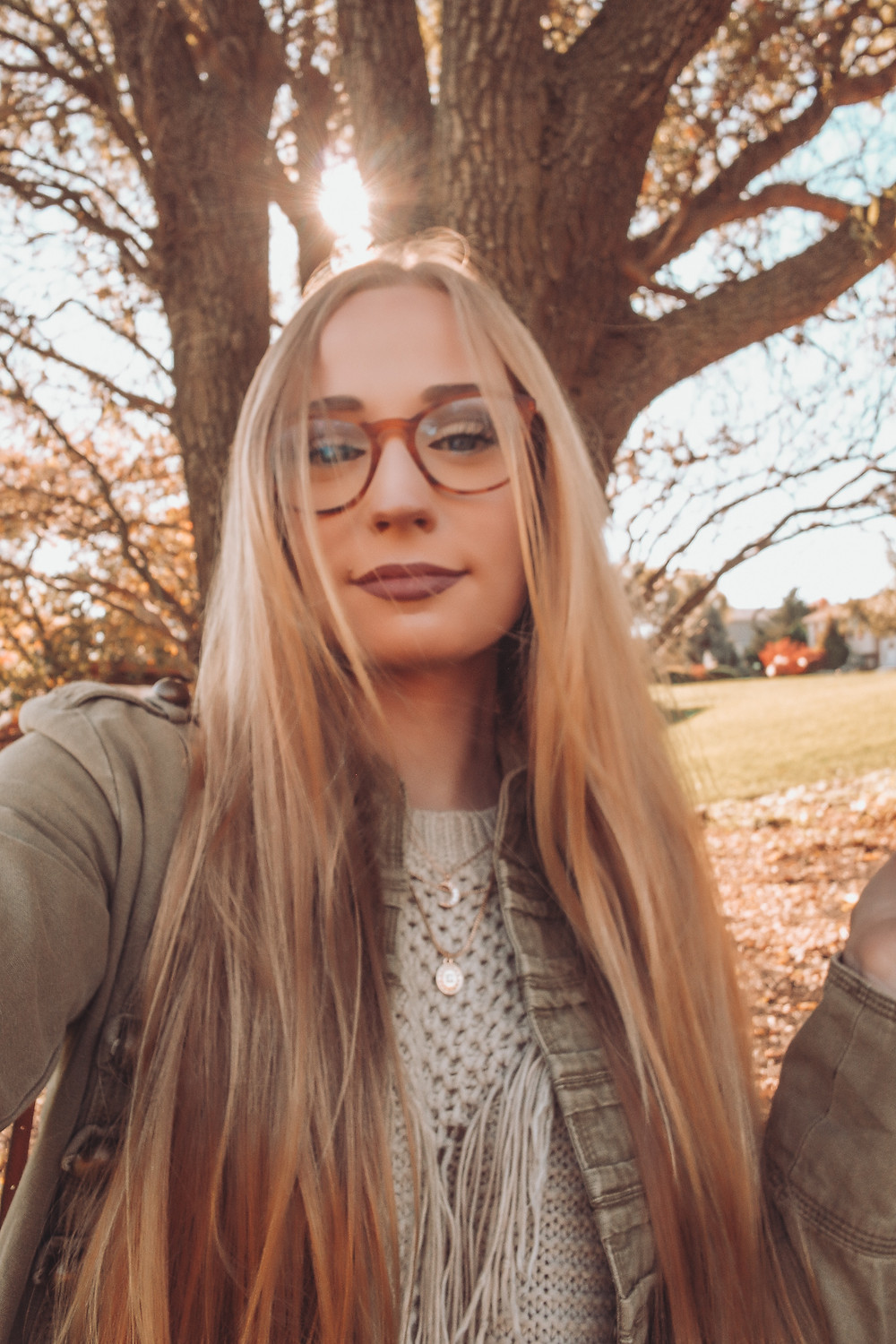 Glasses, Girl wearing glasses, studious look, studious style, blonde, long blonde hair, barefoot blonde, fall, fall backdrop, fall photos, fall photoshoot idea, military jacket, how to wear military jacket, military jacket outfits, thrifted, thrifted outfit, thrift blogger, the Salvation Army, Salvation Army finds, glasses, Warby Parker glasses, tortoise glasses, blue lenses, blue light filtering, blue light filtering lenses, do blue light lenses work, blue light filtering lenses review, light filtering, blue, glasses, Vivid Eyeware, The Heil Style, April M. Heil, April Heil, fashion, thrifting, lifestyle, blogger, fashion blogger, top fashion bloggers
