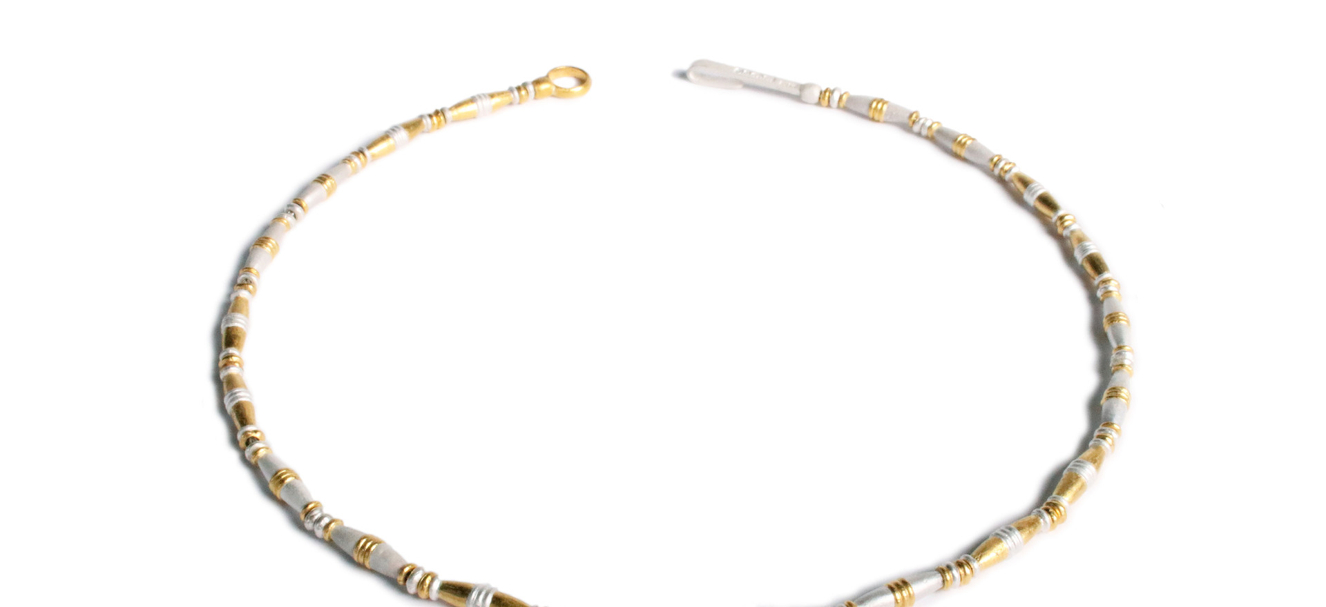 Almond necklace