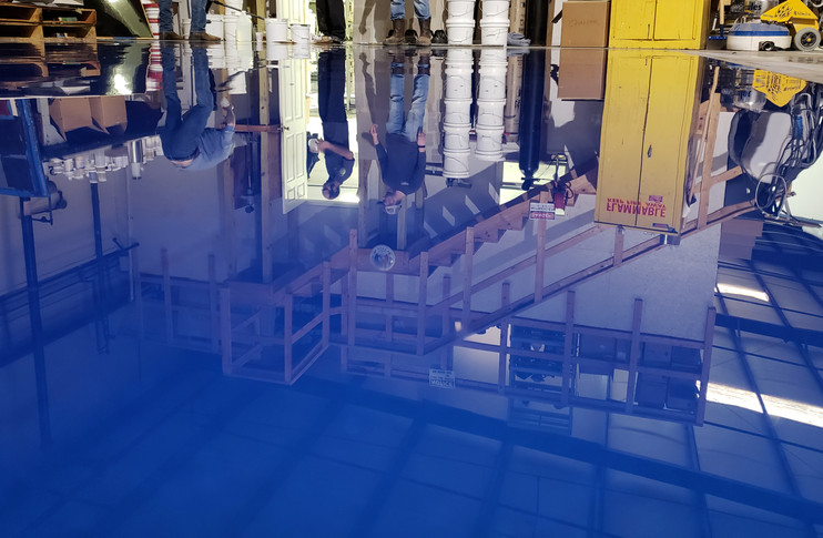 EXCELLENT REFLECTION IN midnight blue metallic shop