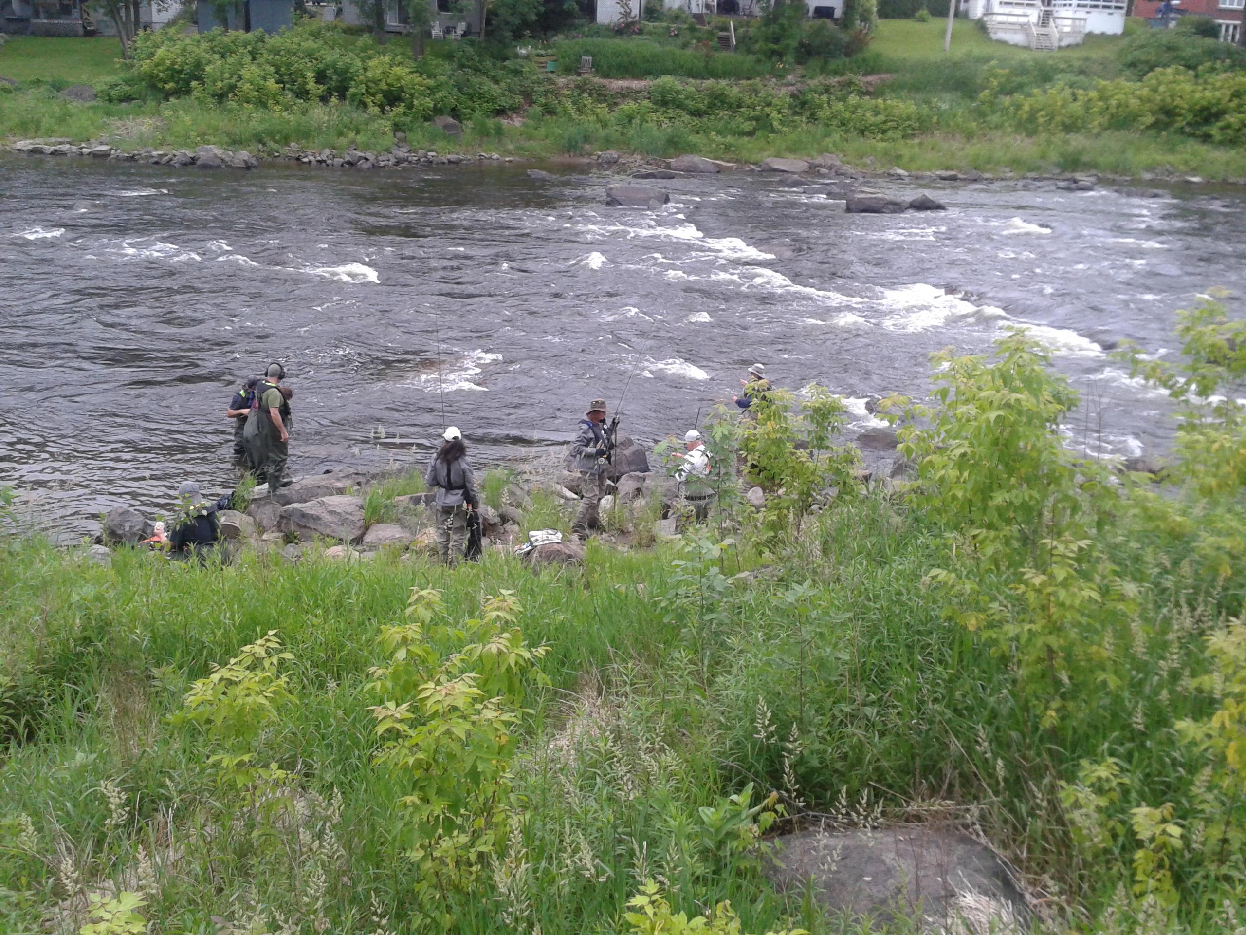 elles pêchent 2 (2)