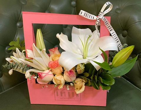 Cute Princess Box with Lilies and Roses
