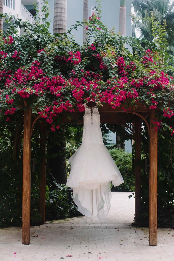 WeddingPhotogeaphers92_edited.jpg