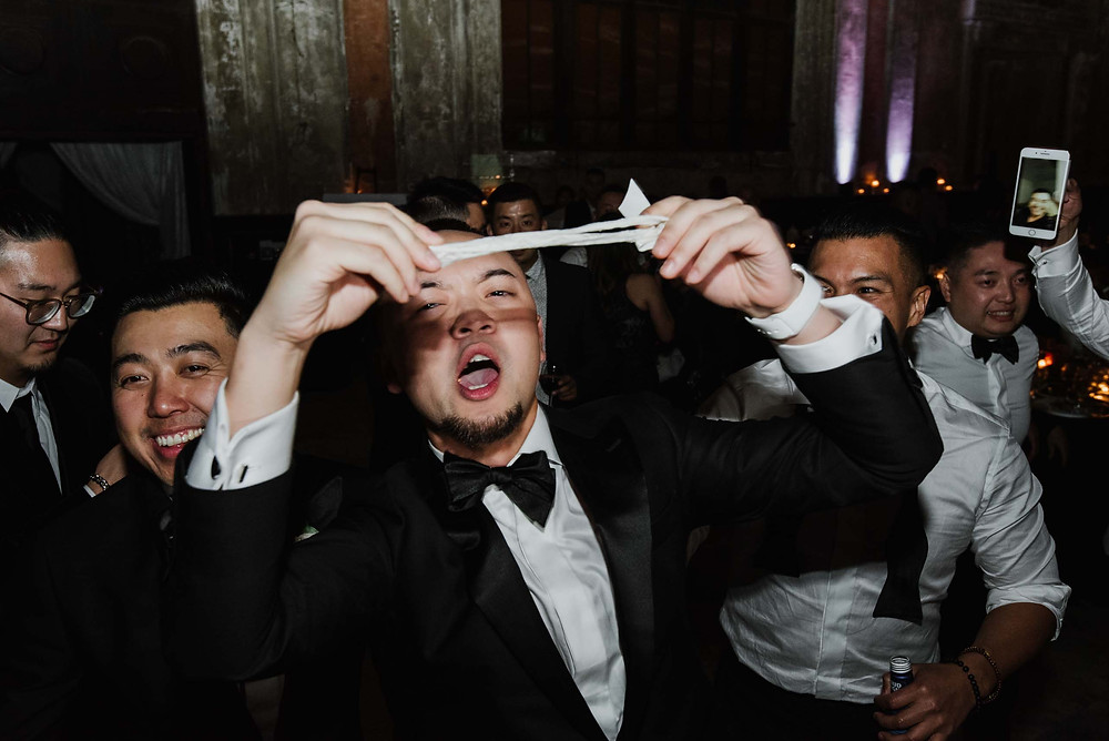 How to Keep Wedding Guests Entertained