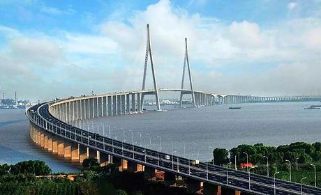 HZM Bridge.jpg