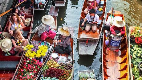 Damnoen Saduak Floating Market.jpg