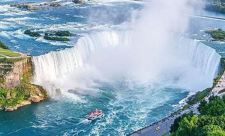 niagara-falls-small-group.jpg