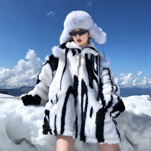 Extra Warm Unisex Black&White Faux Fur Jacket
