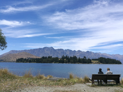 Queenstown. Where to park your car and where to eat? | New Zealand.
