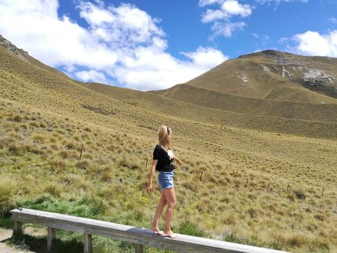Lindis Pass. Omarama Clay Cliffs. | New Zealand.