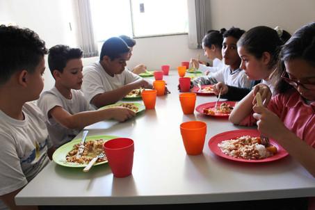 Programa Florescer começa a servir almoço para os beneficiários