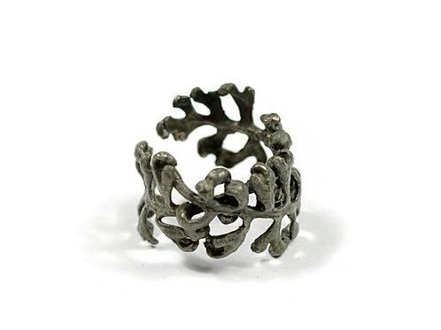 Ring by Mari Ishikawa