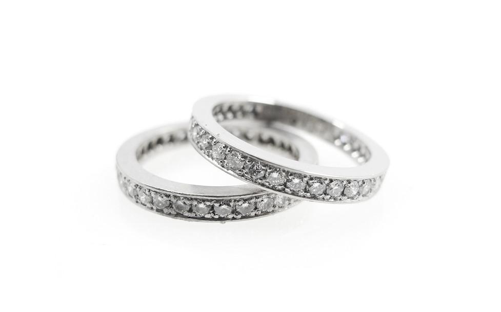 Alliansringar_vitt guld diamanter.jpg