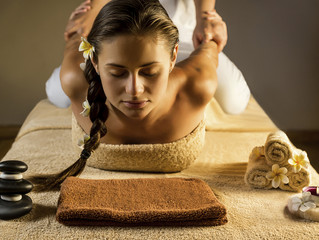 Lomi Lomi Massage: Sacred in Mind, Body and Spirit.
