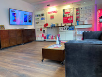 Shop sob telefon center Lounge
