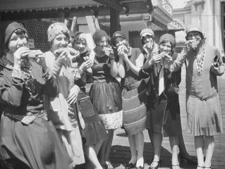 The History of the Chicago Style Hot Dog