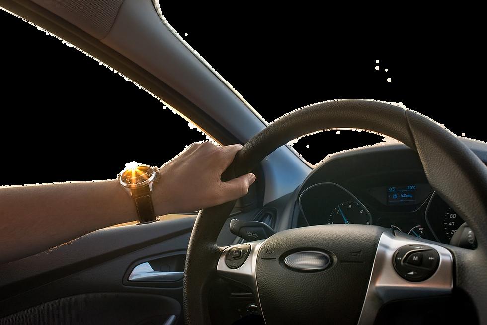 Intérieur de voiture affichant un volant et un tableau de bord