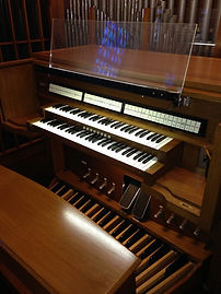 Chapel_Organ_Console.jpg