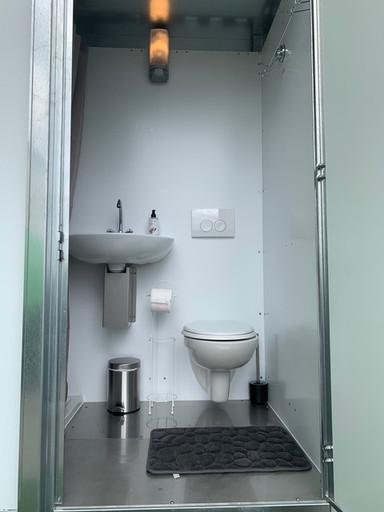Sanitair pipowagen wc wastafel.jpeg
