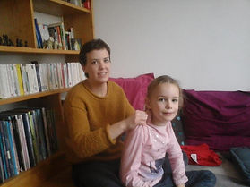 anne Corre Puericultrice sur Nantes propose des ateliers de massage parents enfant sur Nantes