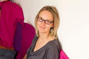 Anne Corre puericultrice sur Nante, instructrice en massage bébé et en animatrice en portage sur Nantes