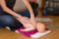 Je vous propose un pack naissance pour vos bébés et vous sur Nantes: Des ateliers de massage bébé , des ateliers de portage bébé , des conseils en puericulture par une puericultrice à votre domicile ou à mon cabinet sur Nantes Beaulieu