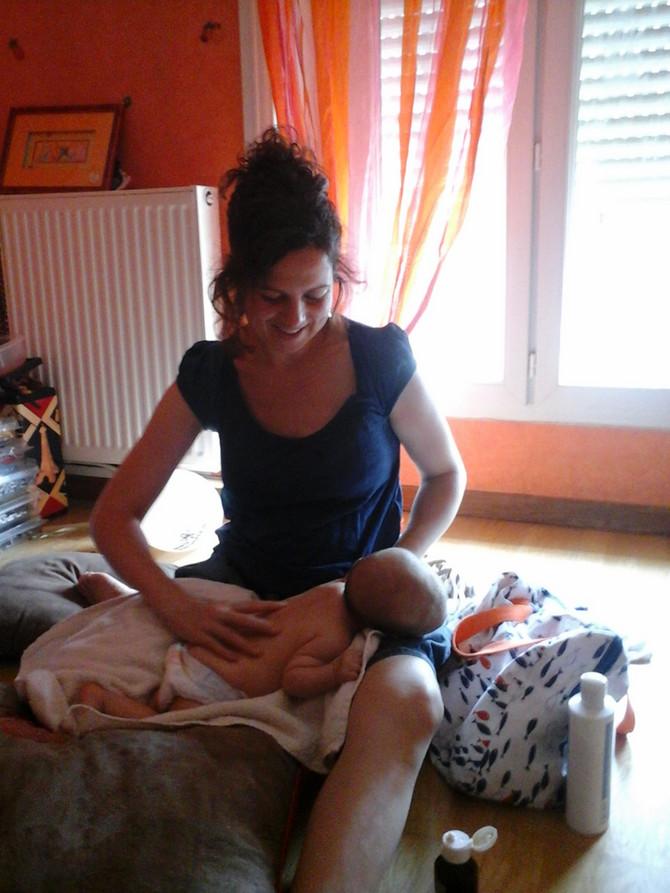 Pourquoi les  bébés kiffent les massages