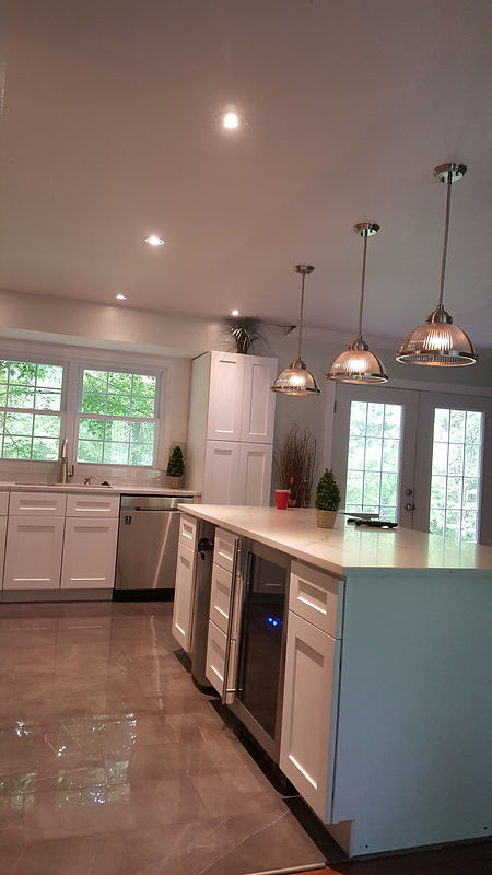 Kitchen Island,Pendant Lighting