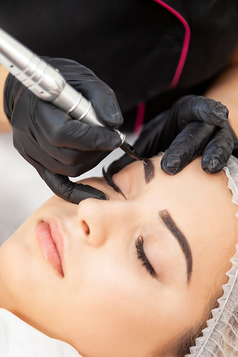 Permanent eyebrow makeup - a treatment i